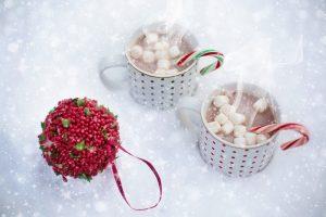 Un bon chocolat chaud pour un gouter d'enfant en hiver